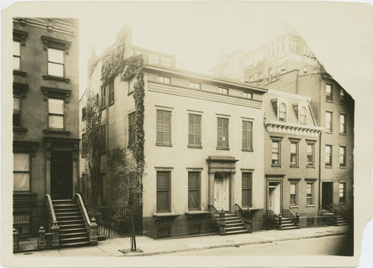 [70 Willow Street]. Eugene L. Armbruster. 1922. Eugene L. Armbruster photographs and scrapbooks. V1974.32.99. Brooklyn Historical Society.